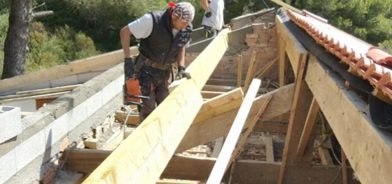Toiture-Toit-renovation-reparation-toulon-83